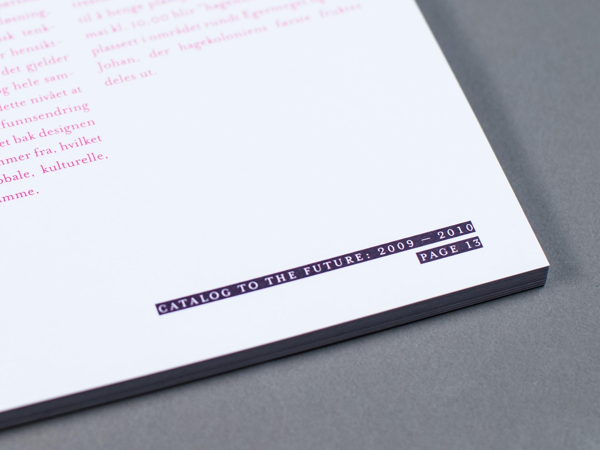 KHiO katalog - tekst detaljer. Bilde.